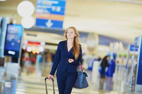 Bei Zwischenstopps mit Umsteigen müssen Fluggäste genug Zeit einplanen