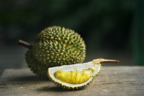 Un fruit tropical fait fuir des étudiants à Melbourne