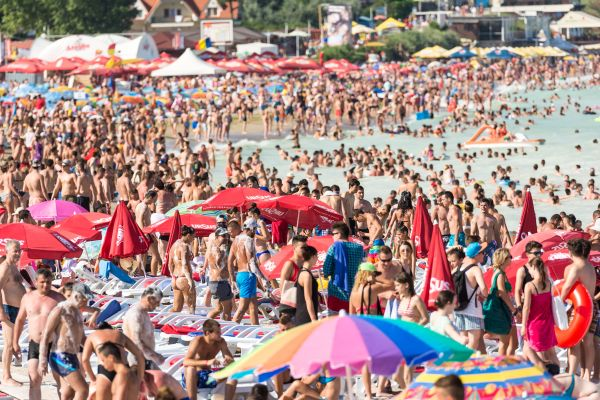 Le tourisme de masse, le pollueur du XXIème siècle ?