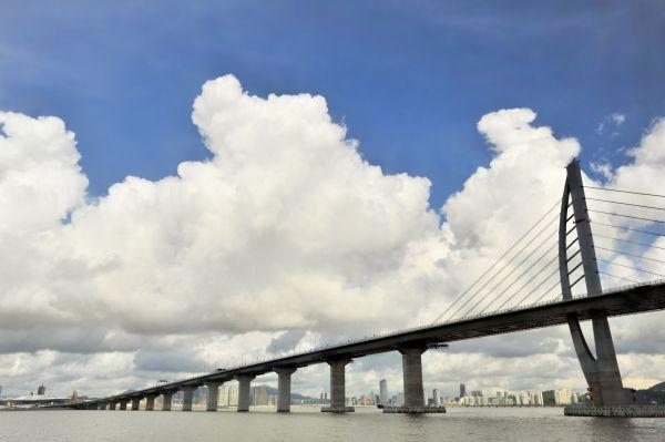 Le plus long pont du monde relie désormais Hong Kong à Macao