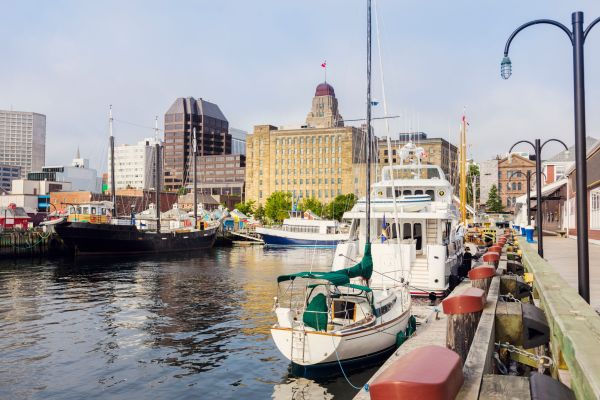 Canada : un avion-cargo sort de piste à l'aéroport d'Halifax