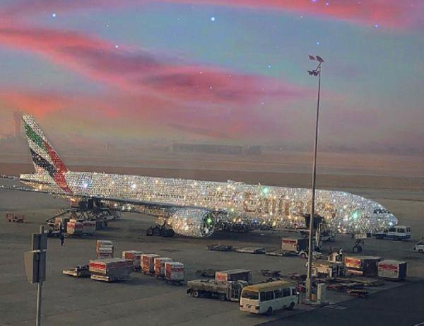 Cet avion Emirates est-il vraiment recouvert de diamants ?