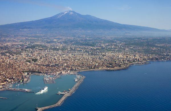 Catania: il risveglio del gigante che riposa sotto l'Etna
