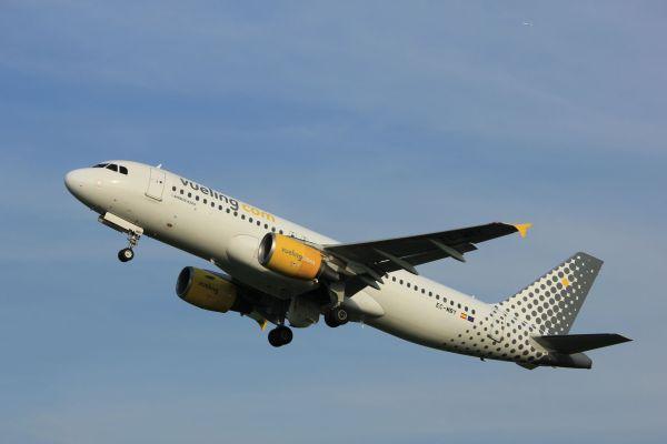 Soldes : Vueling commercialise des billets d'avion pas chers à partir de 24,99 euros