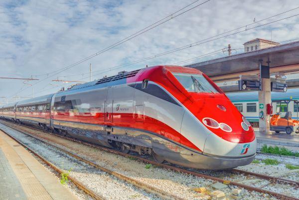 Ferrovie dello Stato assume: oltre 4.000 posizioni aperte, soprattutto per i giovani!