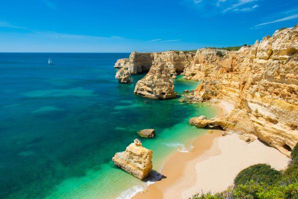 Les meilleures destinations ensoleillées à moins de 4 heures de la France