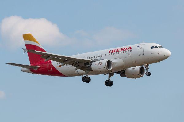 El grupo Iberia anuncia nuevas rutas a Corfú, Bastia, Génova y Verona en Agosto