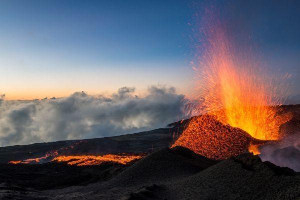 Le Piton de la Fournaise entre en éruption pour la première fois de l'année !