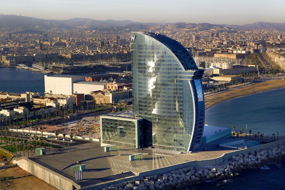 Les 10 h tels incontournables de barcelone easyvoyage for Piscine w barcelone