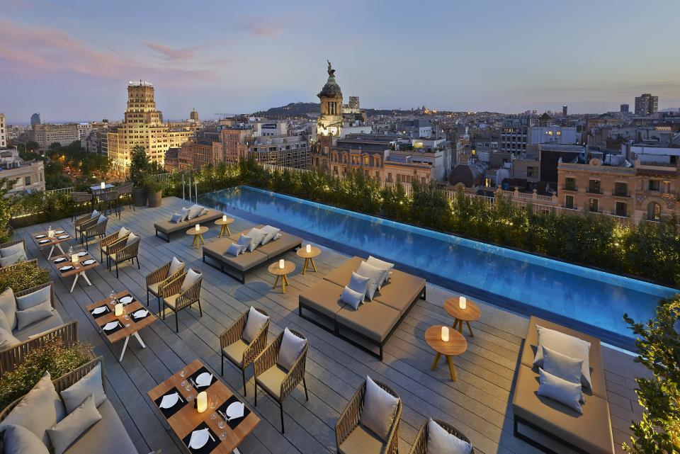 Weekend à Barcelone Les Terrasses à Ne Pas Rater Easyvoyage - Hotel barcelone avec piscine sur le toit