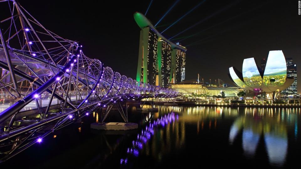 Etonnantes Images Futuristes De Singapour