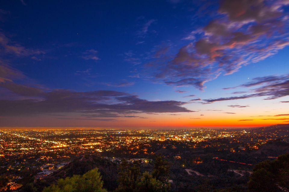 1. Le Griffith Observatory à Los Angeles (États-Unis)