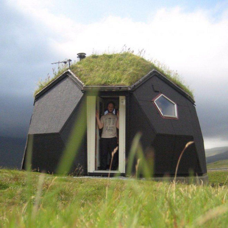 Les maisons les plus bizarres dans le monde easyvoyage for Odeurs d egouts dans la maison