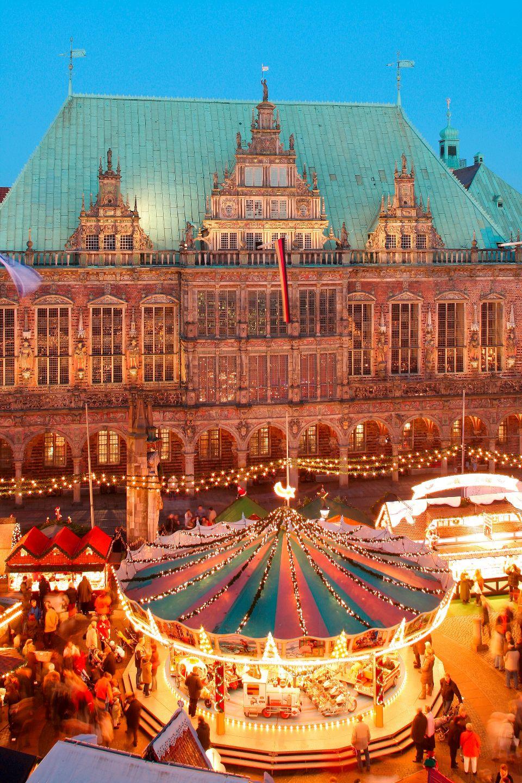 L'hôtel de ville et la statue de Roland à Brême