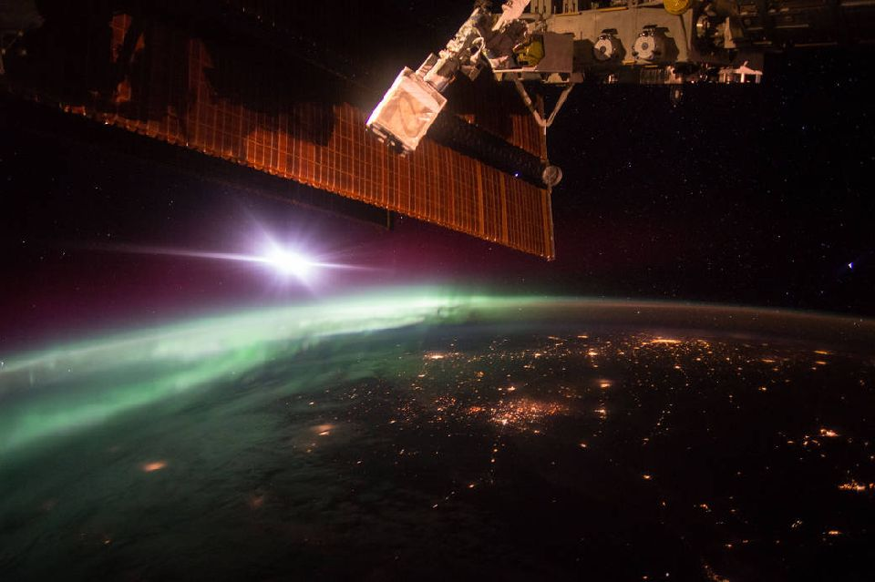 Morning Northern Lights from ISS