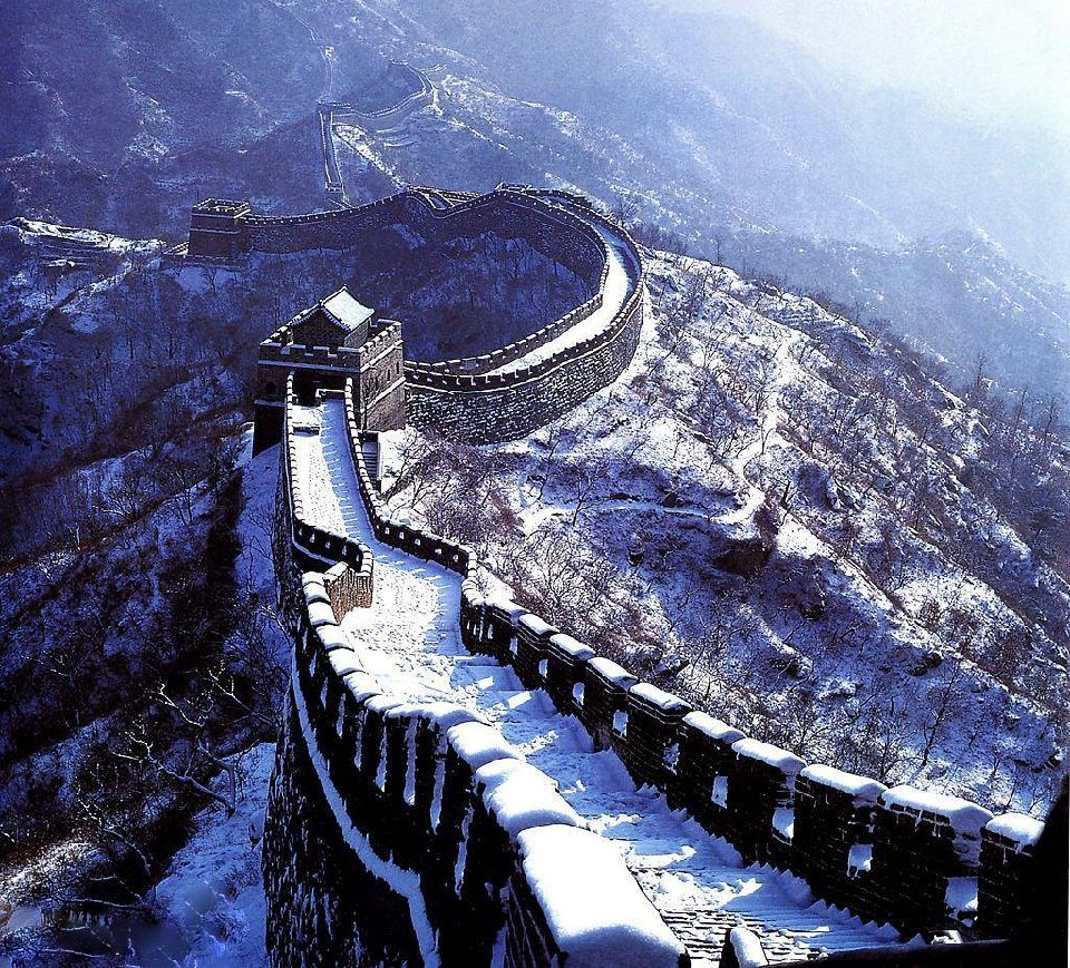 Photos great wall of china dusted in snow easyvoyage