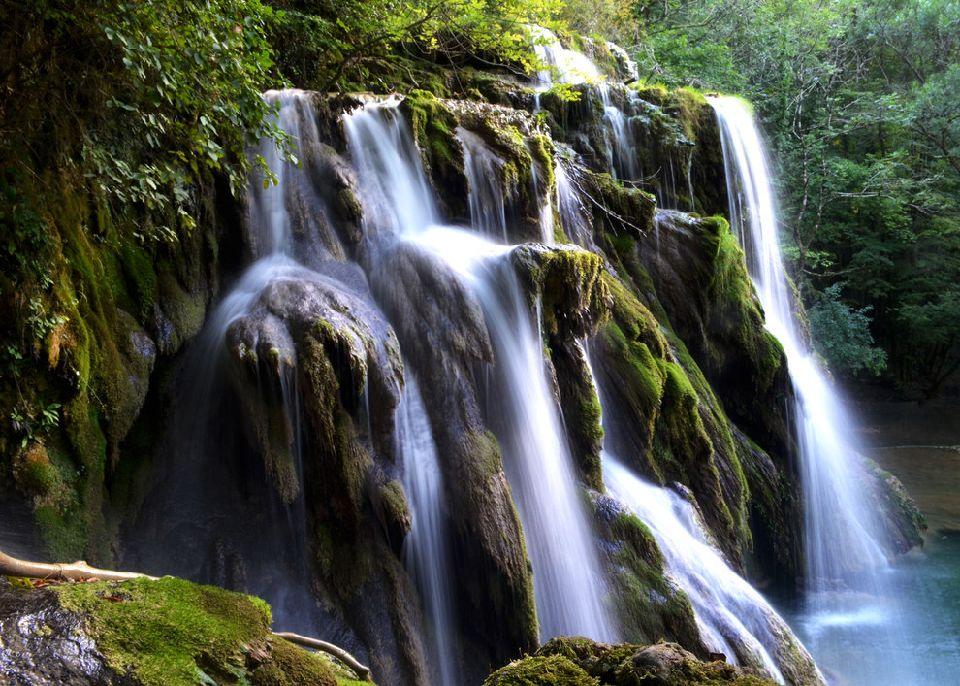 Tufs waterfall, Jura