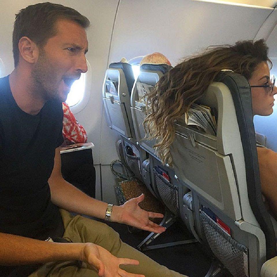 Pärchen Im Flugzeug