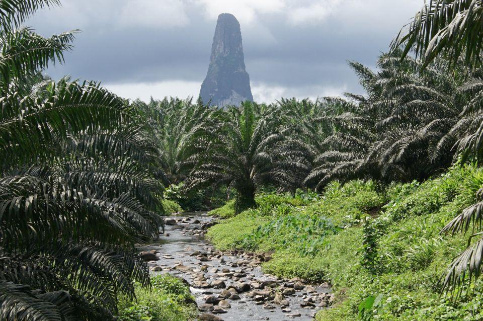 12) Sao Tomé-et-Principe