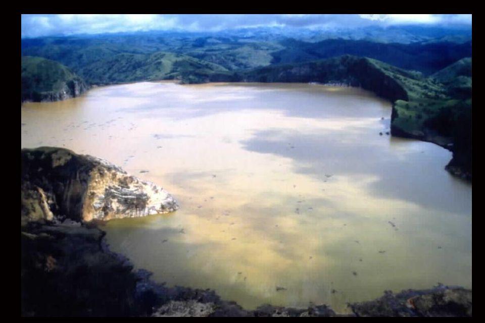 5 - Le lac Nyos au Cameroun