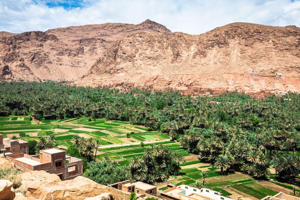 Les plaines et les montagnes de l'oasis de Tineghir