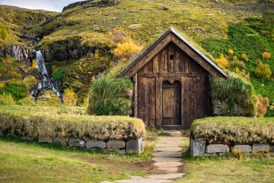 Scandinavia S Grass Roofed Houses Easyvoyage