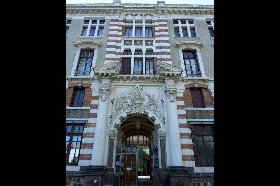 Top 10 des plus beaux lycées de France  Easyvoyage