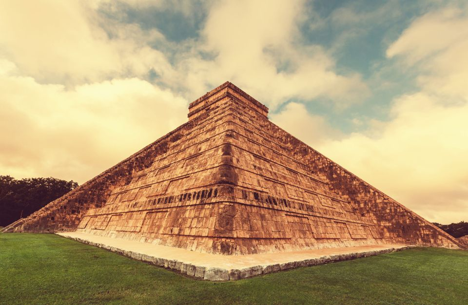 Piramide di Kukulkan nel sito di Chichen Itza