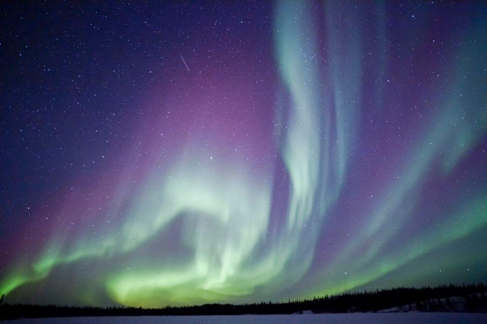 Reykjavik spegne le luci per ammirare l 39 aurora boreale for Aurora boreale sfondo