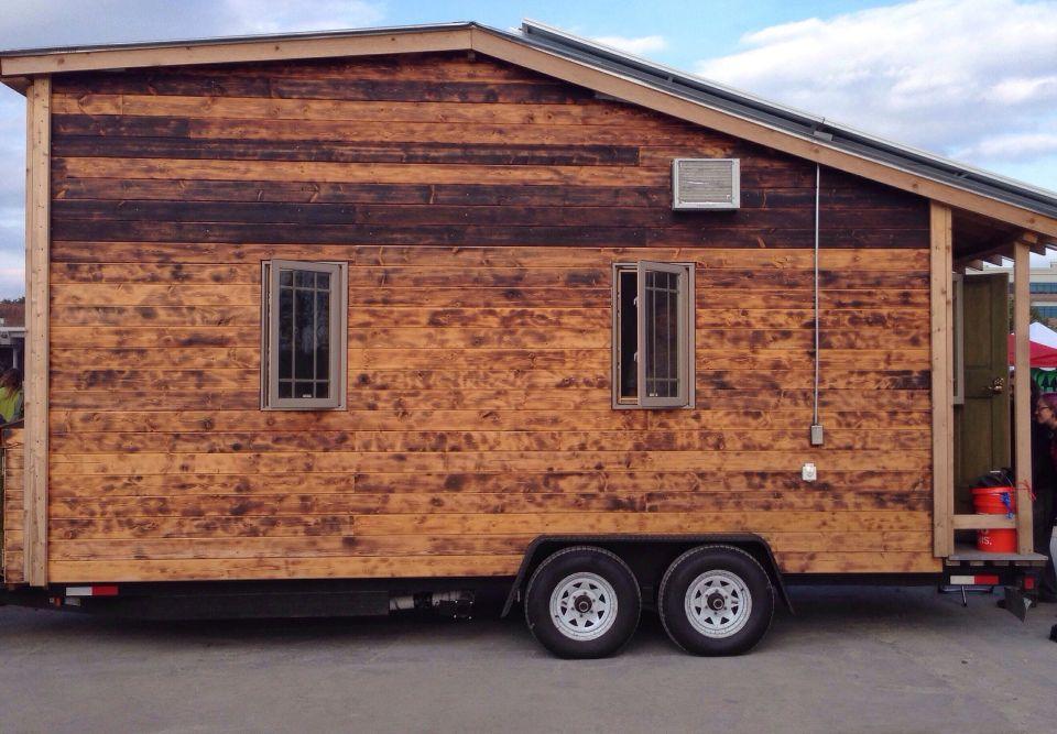 das tiny house ein leben auf r dern easyvoyage. Black Bedroom Furniture Sets. Home Design Ideas