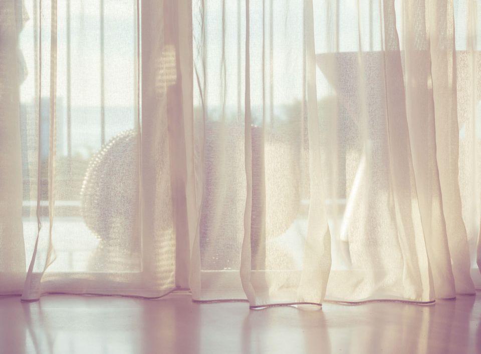 Grimper dans les rideaux: s'énerver pour rien