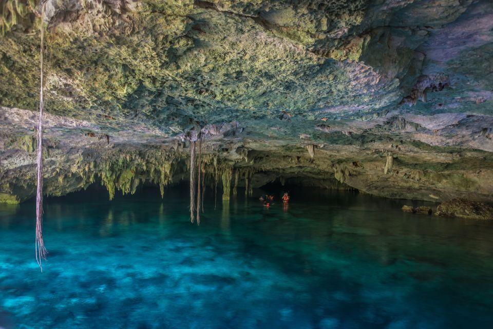 Cenote vicino Tulum, Messico