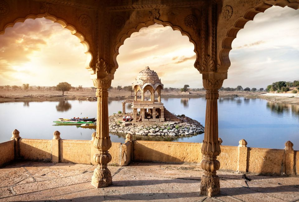 January: Discover the ancient temples of Rajasthan, India