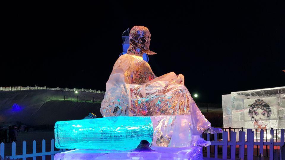 Des artistes venus des quatre coins du monde taillent la glace