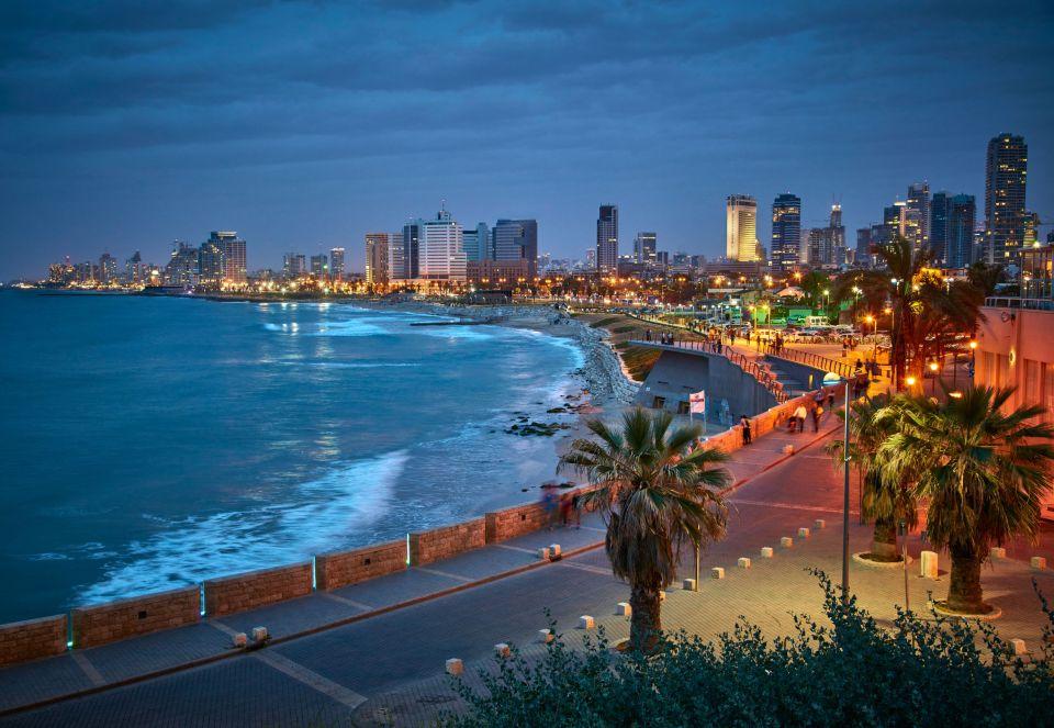 Tel Aviv à la nuit tombée