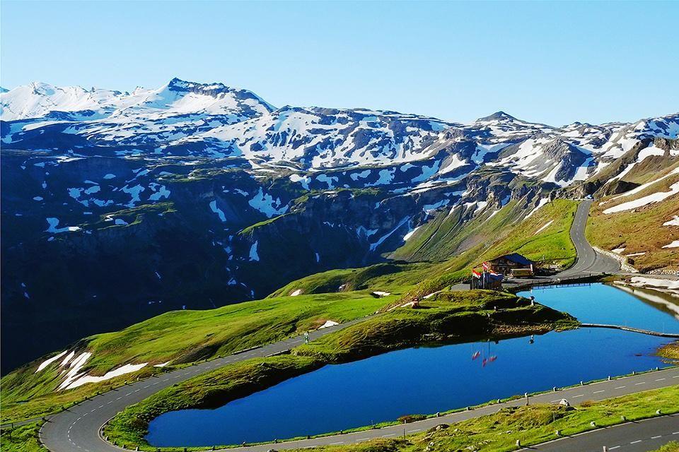 Lac Fuscher à 2 262 m d'altitude sur la route alpine du Großglockner