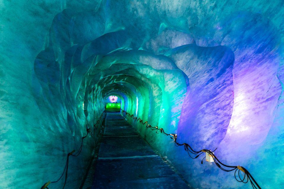 Janvier en Auvergne-Rhône-Alpes - Le glacier Mer de Glace à Chamonix