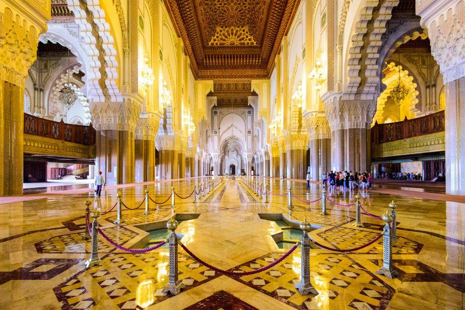 Dans la mosquée Hassan II