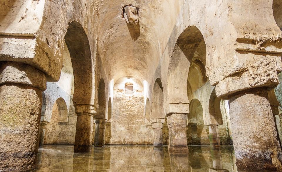 La citerne arabe du 12ème siècle du palais de las Veletas à Caceres