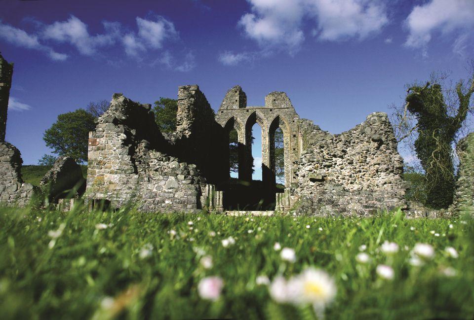 Las ruinas góticas de la Abadía de Inch