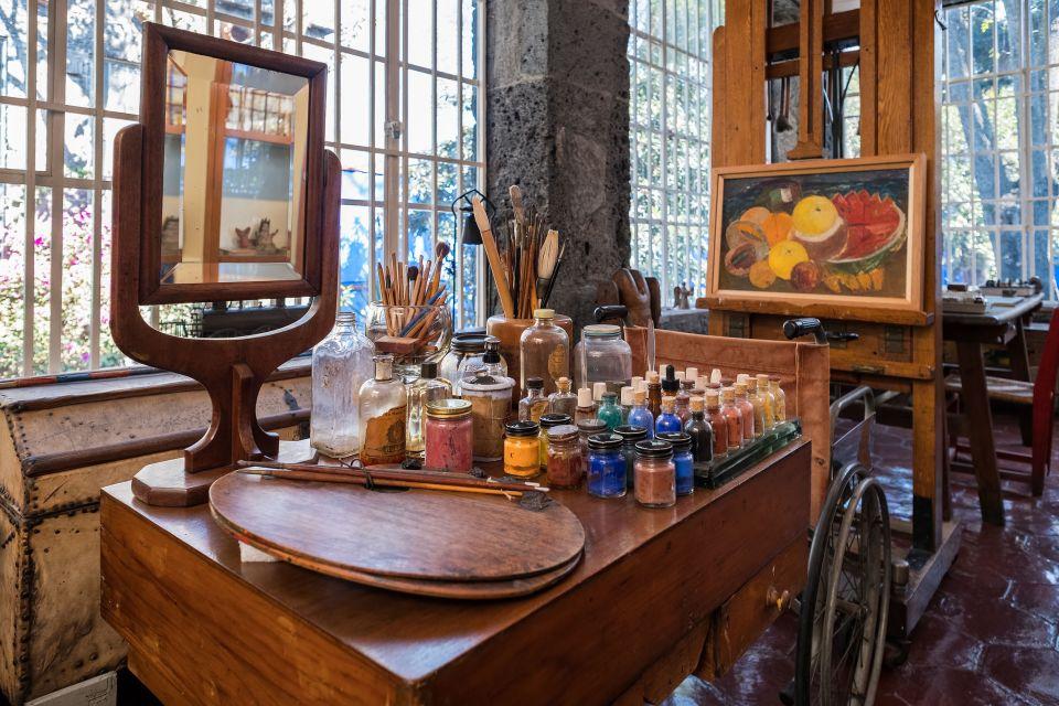 Studio dell'artista nel Museo Frida Kahlo
