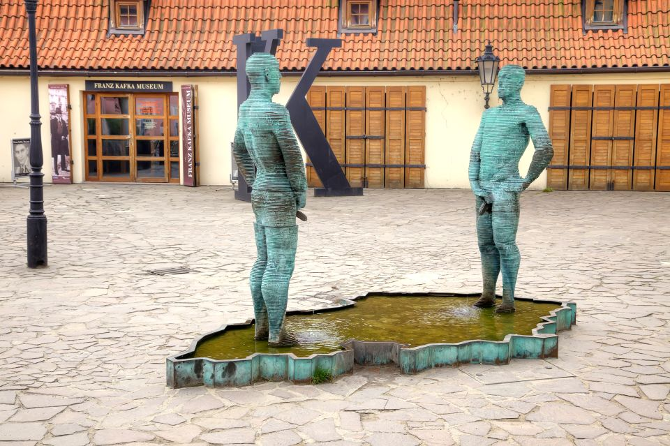 Peeing Statues - Prague