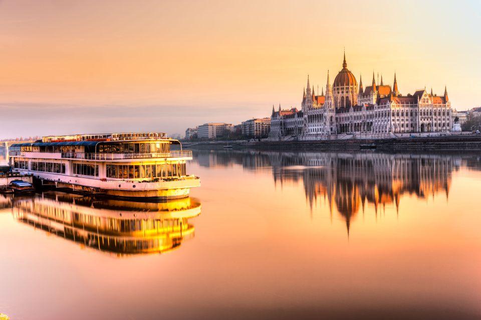 Longer le Danube depuis Budapest (Hongrie)
