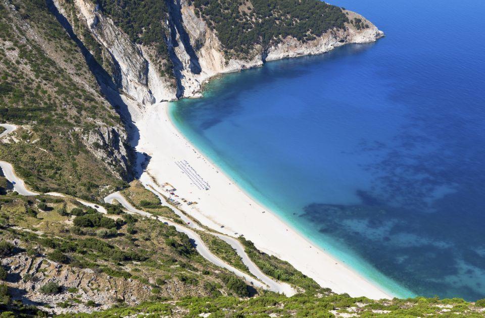 L 39 estate finita ecco le migliori spiagge al mondo dove fare il bagno in autunno easyviaggio - Cascate in italia dove fare il bagno ...