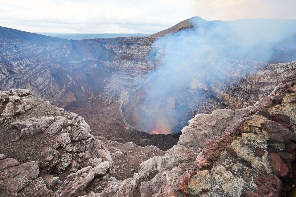 3. Visitar el volcán Masaya