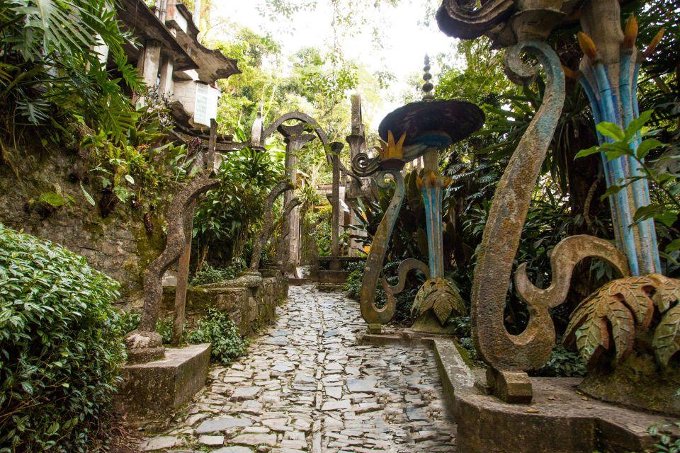 Un jardin inspiré par les idôles d'Edward James