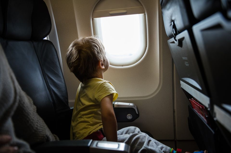 Are child-free-zones on planes the future of air travel? - Easyvoyage