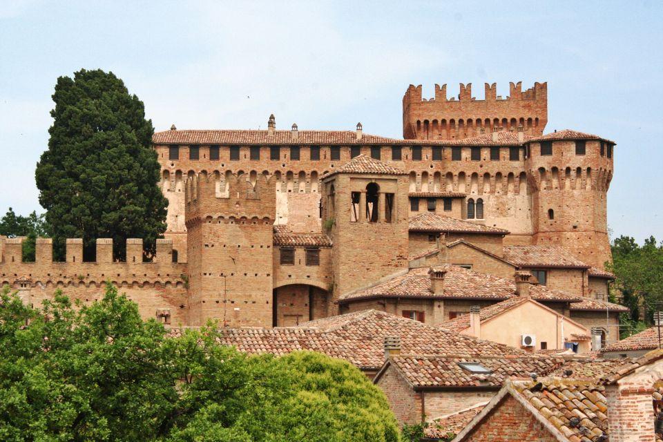 Gradara il borgo pi bello d 39 italia per il 2018 easyviaggio for Le stanze di sara bologna