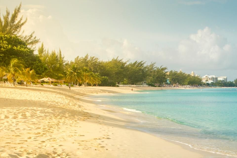 5. Seven Mile Beach, Grand Cayman