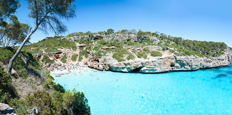 4. Playa de Es Caló